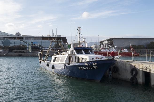 Hundimiento del pesquero El Fairell en las proximidades del puerto de Barcelona