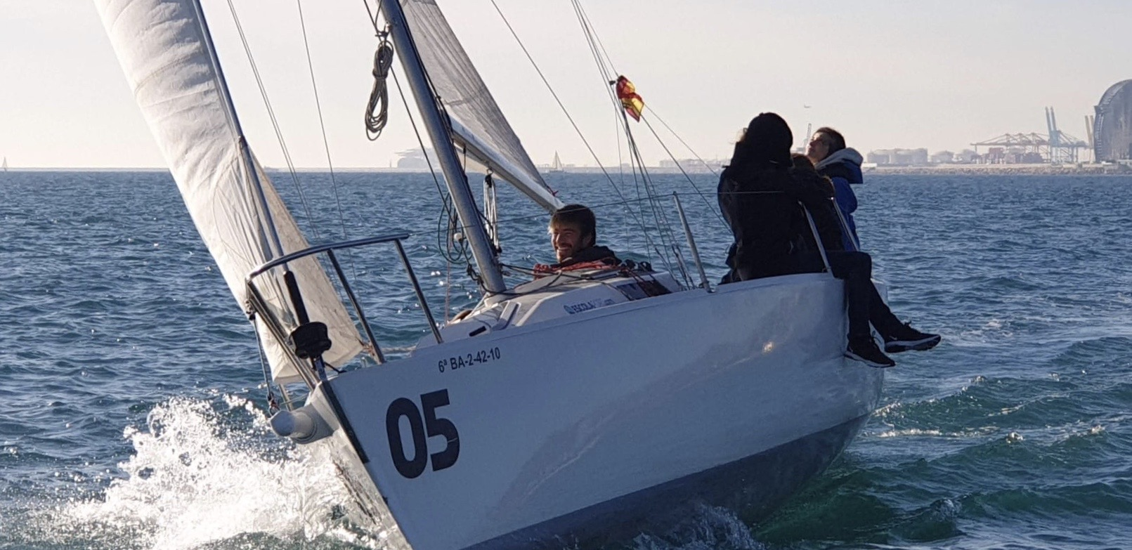 ¿Cómo aprender a navegar a vela?